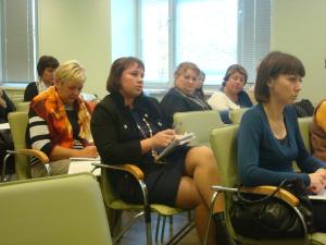 Участники семинара задают вопросы выступающим